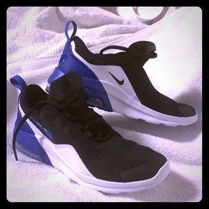 Boys Nike Air Max Running Shoes 6.5 New